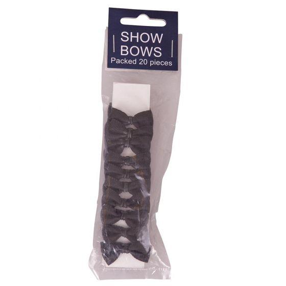 Man Strings Show-Bows